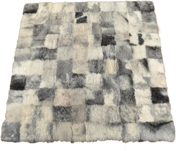 lammfell teppich patchwork grau 220 x 200 cm kuhfell shop eu. Black Bedroom Furniture Sets. Home Design Ideas