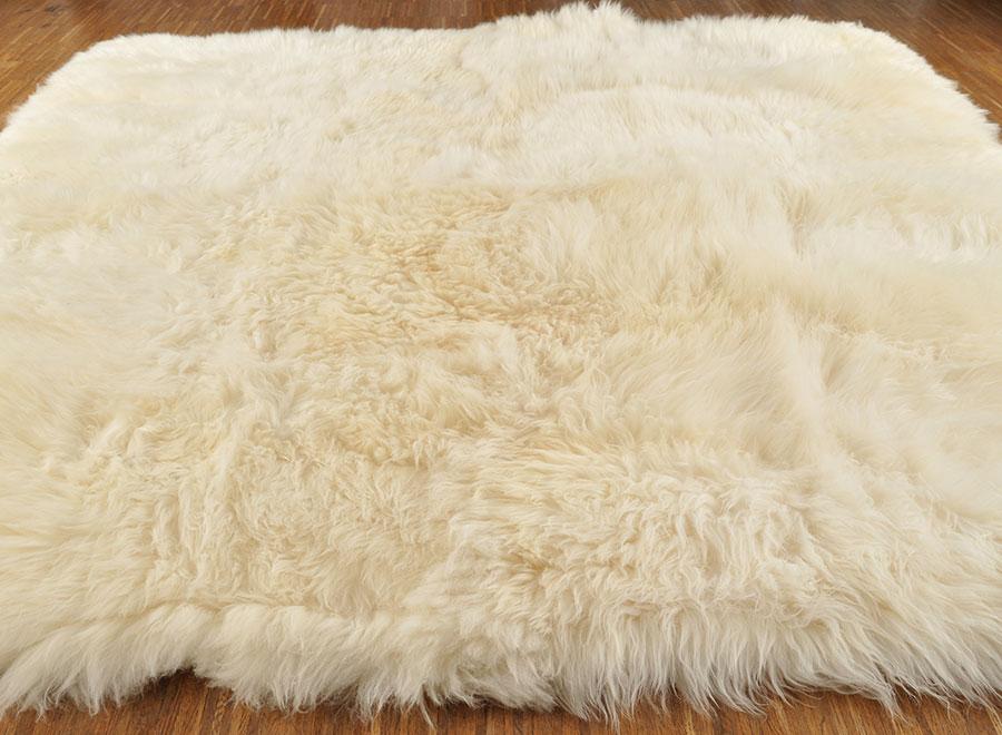 britischer lammfell teppich 200 x 190 cm creme weiss. Black Bedroom Furniture Sets. Home Design Ideas
