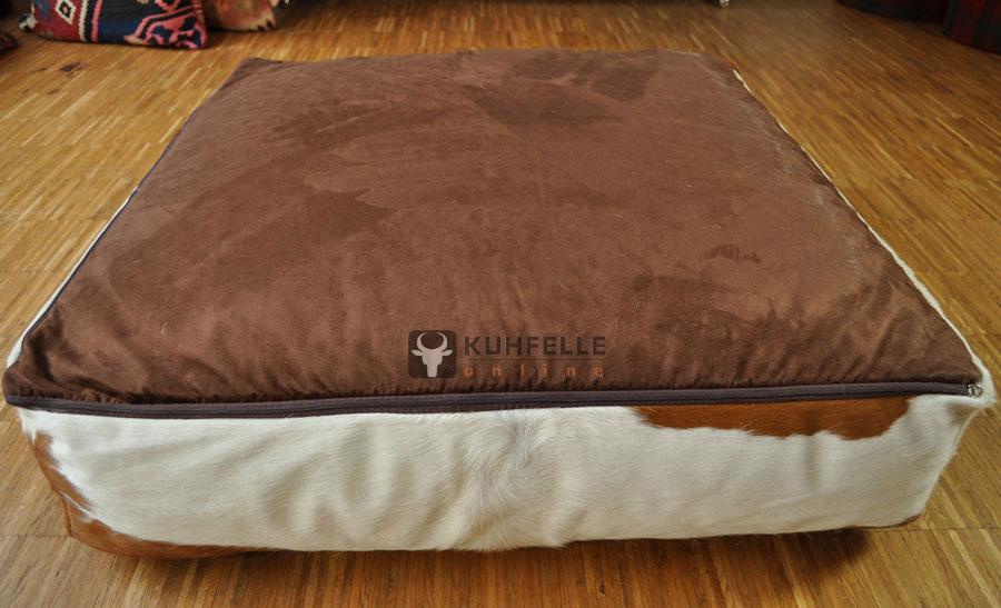 grosses kuhfell sitzkissen bodenkissen pouf 80 x 80 cm kuhfell pouf 1500. Black Bedroom Furniture Sets. Home Design Ideas