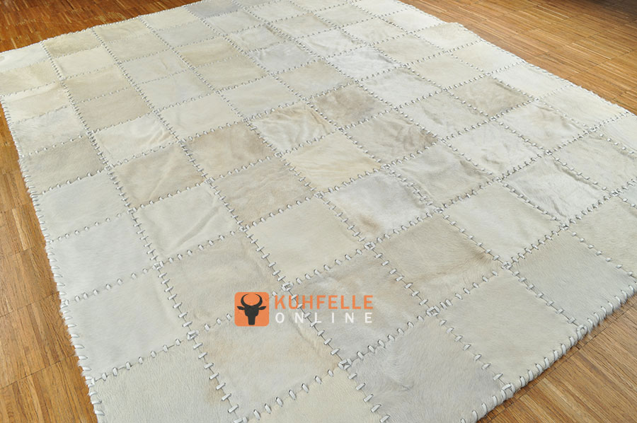 kuhfellteppich patchwork natur weiss 200 x 160 cm kuhfell teppich weiss 47. Black Bedroom Furniture Sets. Home Design Ideas