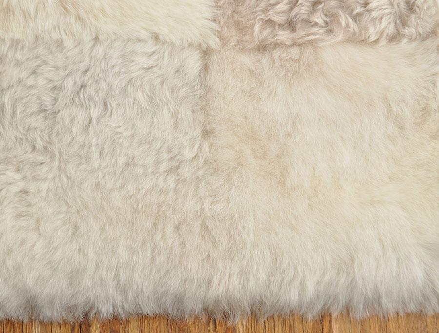lammfell teppich patchwork beige grau 220 x 200 cm kuhfell shop eu. Black Bedroom Furniture Sets. Home Design Ideas